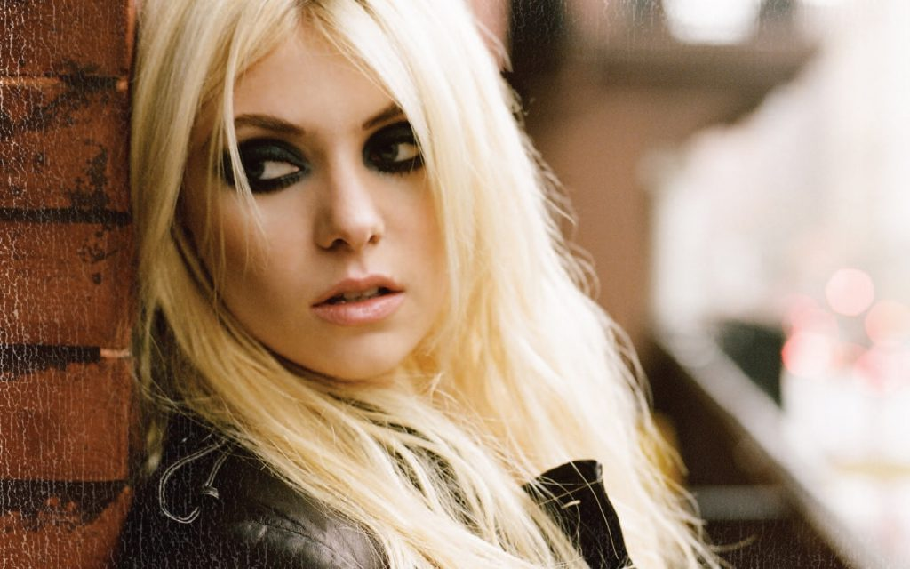 sexy taylor momsen wallpapers