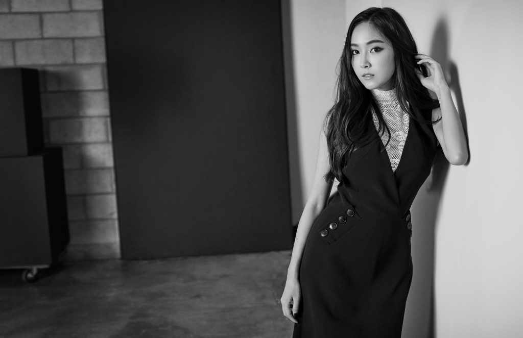 monochrome jessica jung background wallpapers