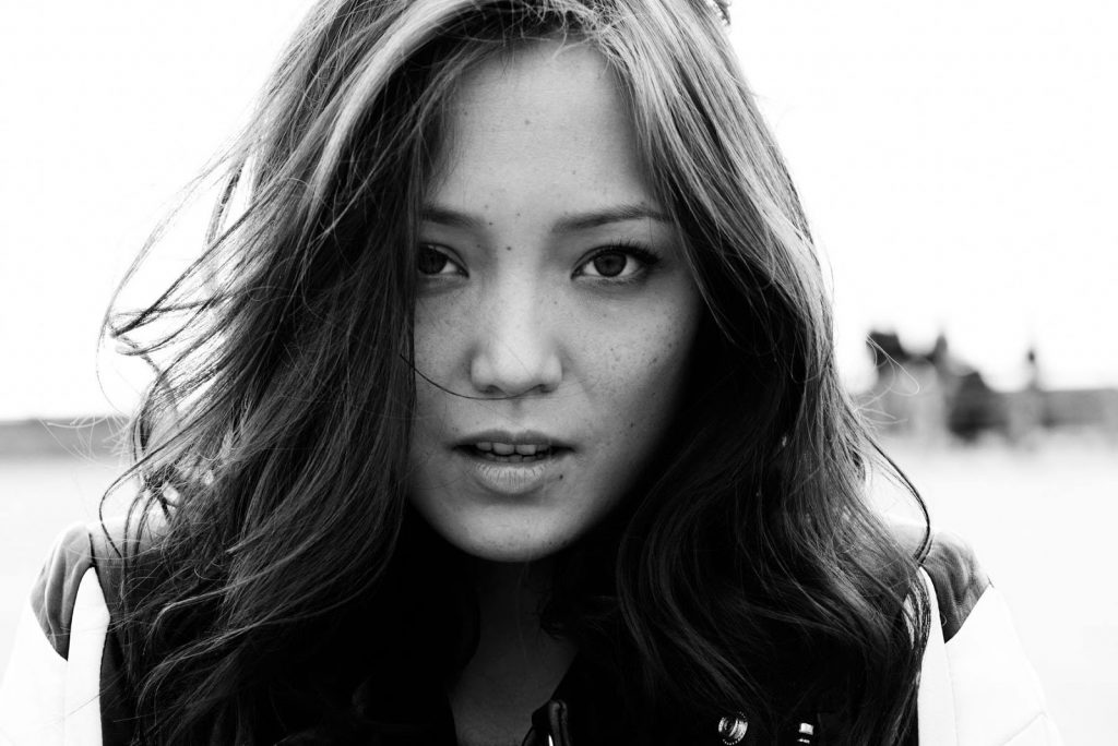monochrome pom klementieff wallpapers