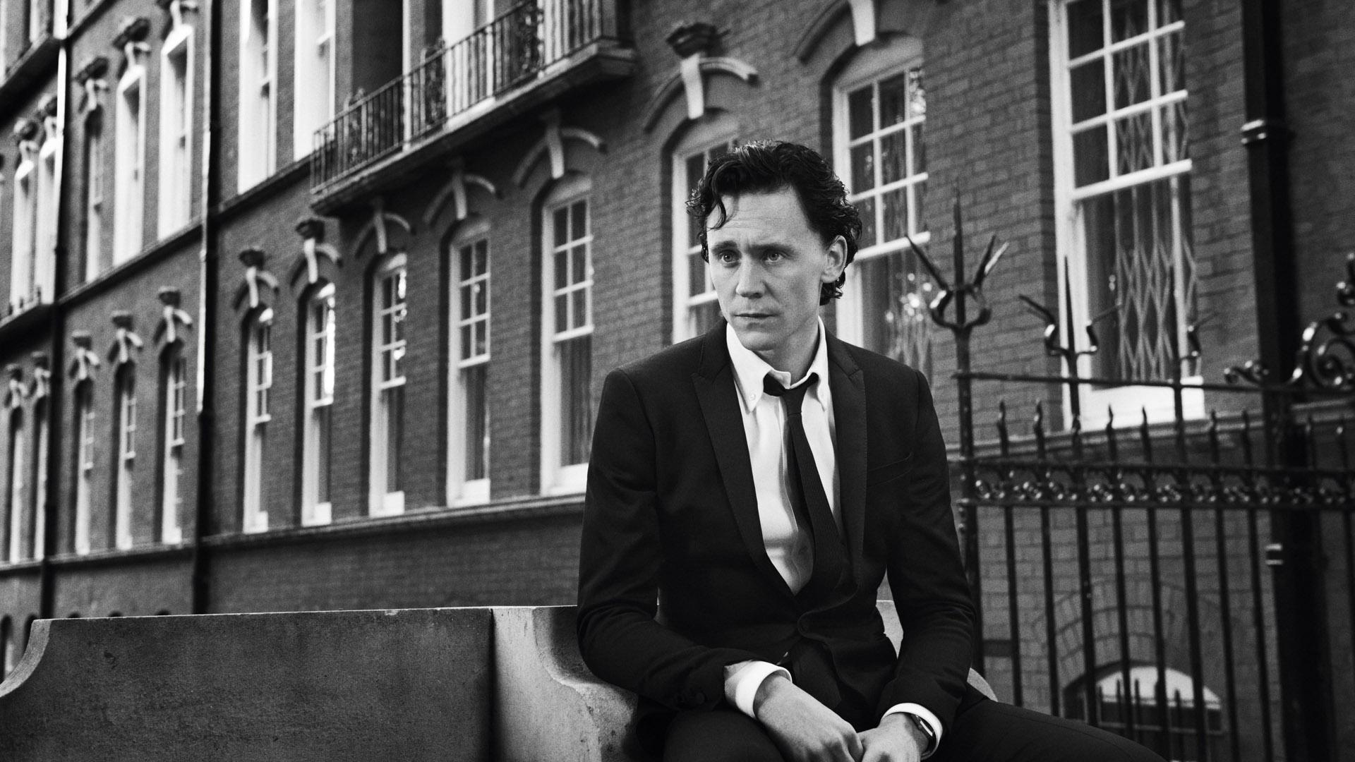 21 HD Tom Hiddleston Wallpapers