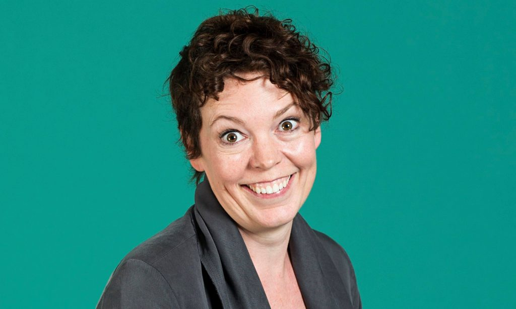 olivia colman smile wallpapers