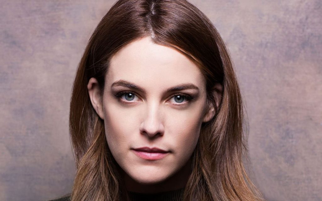 riley keough face wallpapers