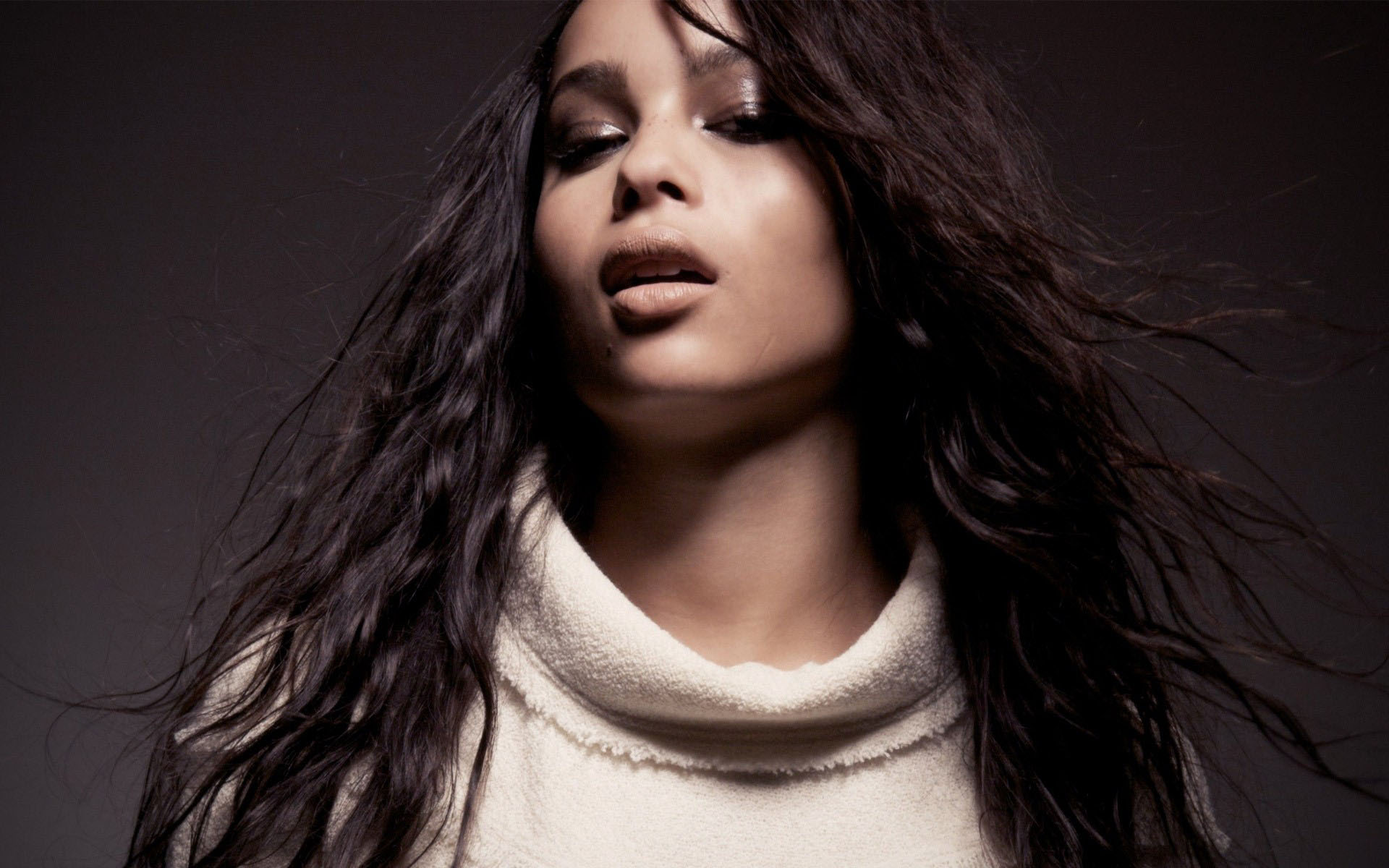 11 beautiful hd zoe kravitz wallpapers - Zoe wallpaper ...