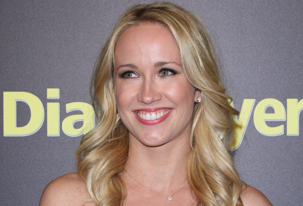 anna camp celebrity smile wallpapers