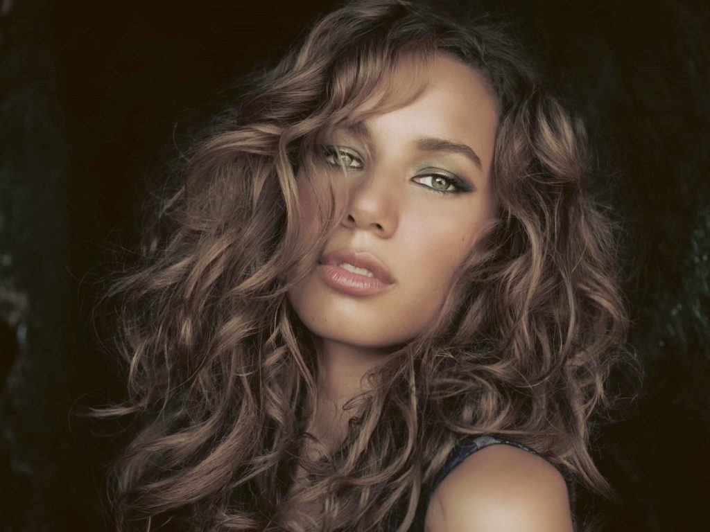 beautiful leona lewis wallpapers