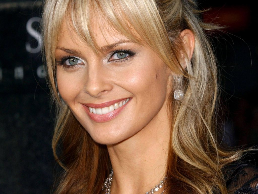 izabella scorupco smile wallpapers