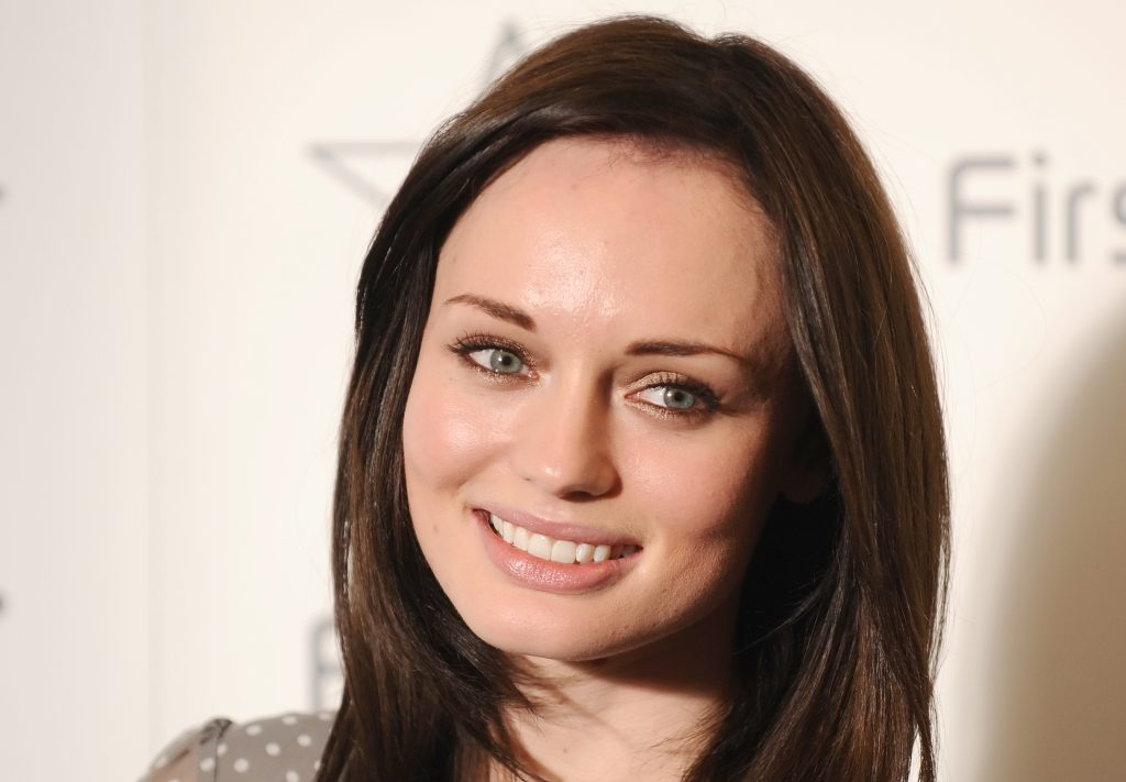 laura haddock smile wallpapers
