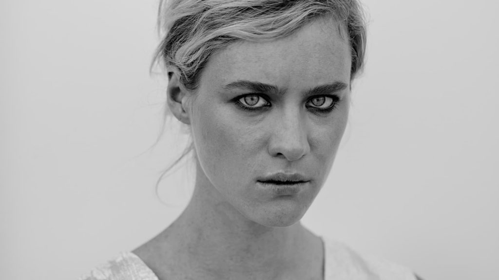 monochrome mackenzie davis wallpapers