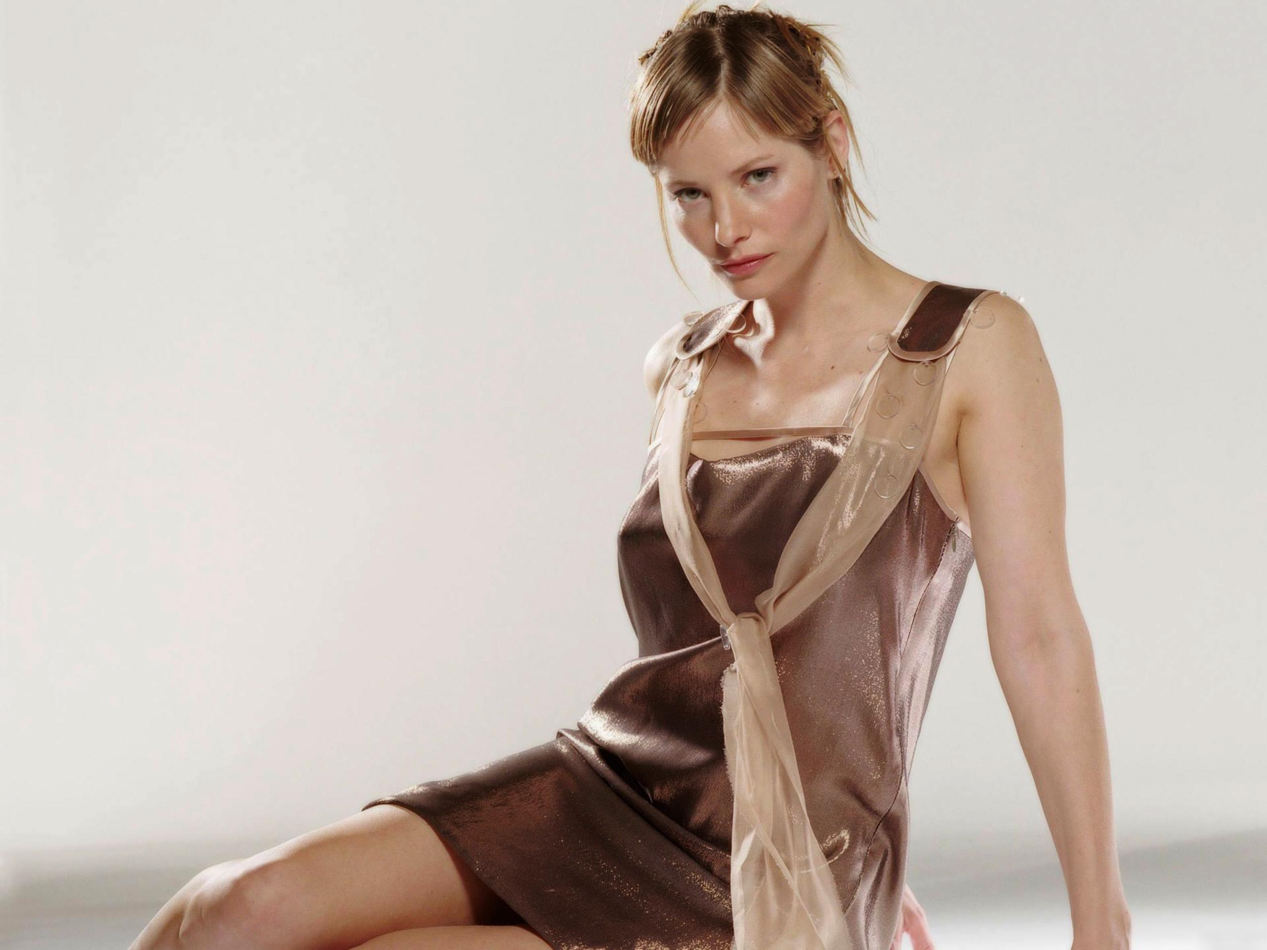 Resident evil 2 nude ada wongmod cutscene - 2 6