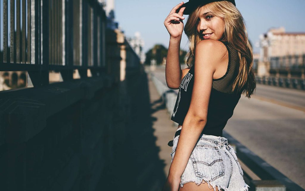 Alexis Ren Wallpapers